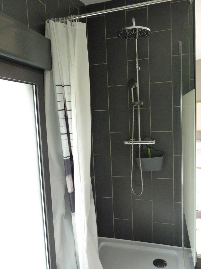 Salle d'eau - douche - gite 1